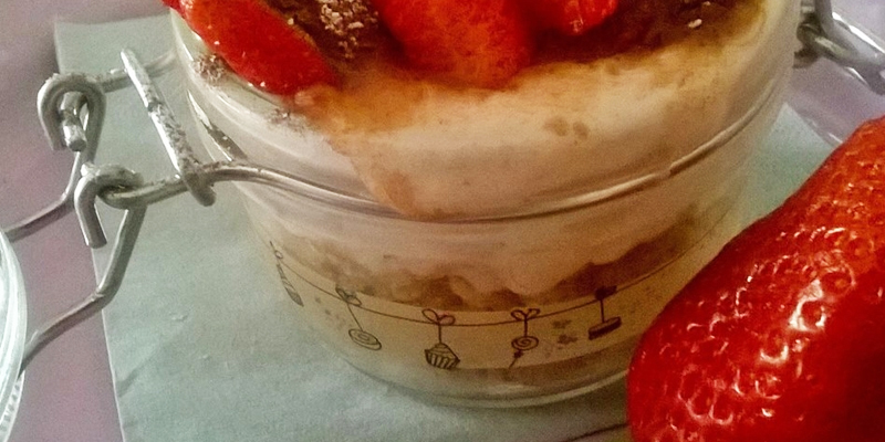 Cake goloso light alle fragole in barattolino