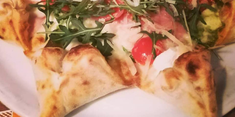 La pizza stella della Western House di Foggia